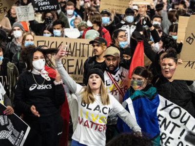 Imagen Destacada Protestas USA post Por qué protestan en los EE.UU. Polemos Politic